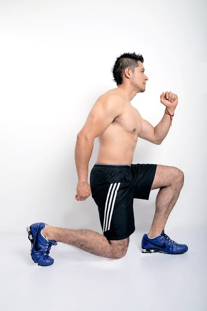 how to safely perform lunge exercise never knees in front of toes